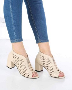 Camilla Ten Cilt Lazer Kesim Desenli Fermuarlı Kadın Ayakkabı