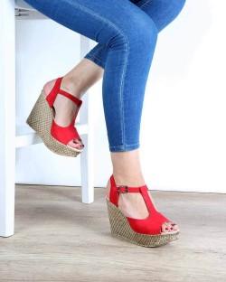 Nenna Kırmızı Süet Dolgu Topuk Kadın Sandalet