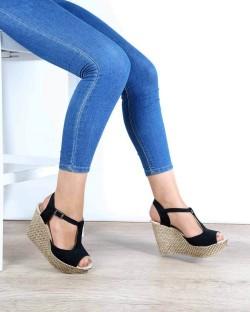 Nenna Siyah Süet Dolgu Topuk Kadın Sandalet
