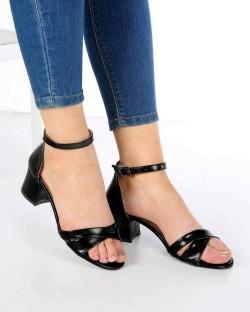 Perlita Siyah Cilt Çapraz Kemer Topuklu Kadın Ayakkabı