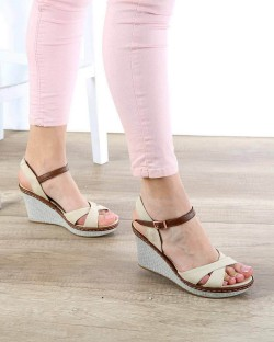 Bej Keten Dolgu Topuk Bilek Bağlı Kadın Sandalet