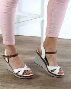 Beyaz Cilt Dolgu Topuk Bilek Bağlı Kadın Sandalet
