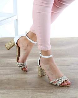 Beyaz Cilt Örme Kemer Bilek Bağlı Topuklu Kadın Ayakkabı