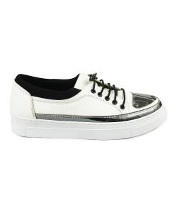 Beyaz Renk Zımba Detaylı Bayan Günlük Ayakkabı