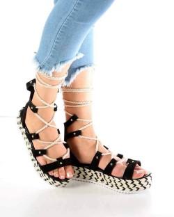 Caprina Siyah Süet Hasır Taban Kadın Sandalet