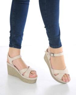 Caterina Bej Süet Bilek Bağlı Dolgu Topuk Kadın Sandalet