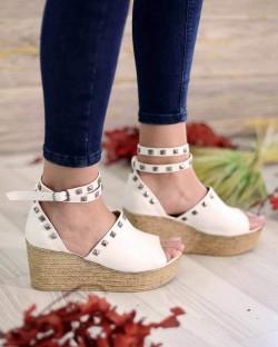 Celso Beyaz Cilt Troklu Bilek Bağlı Kadın Sandalet
