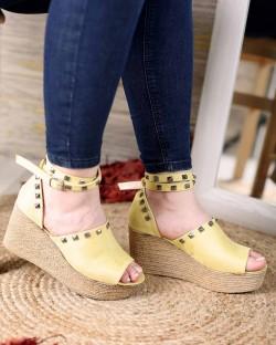 Celso Hardal Sarı Troklu Bilek Bağlı Kadın Sandalet