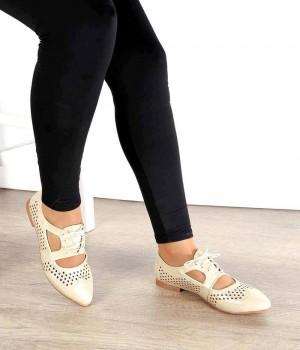 Altın Renk Lazer Kesim Pencere Detaylı Kadın Ayakkabı