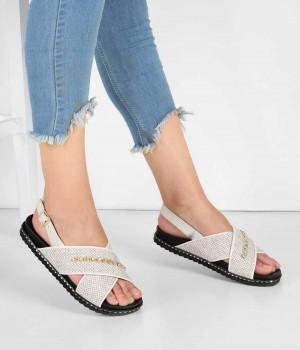 Bej Çapraz Bant Tasarım Topuk Kemerli Kadın Sandalet