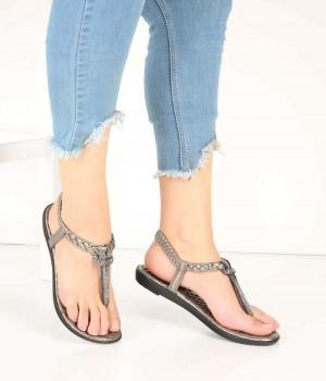 Platin Renk Lastikli Parmak Arası Kadın Sandalet