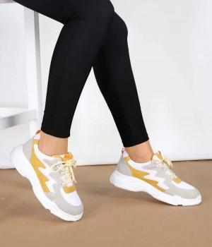 Beyaz Renk Yüksek Taban Bağcıklı Kadın Spor Ayakkabı