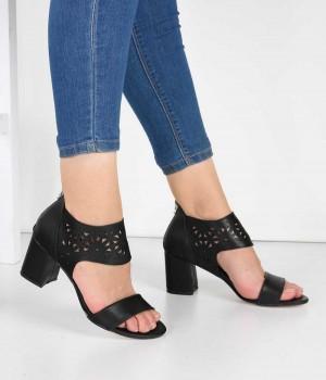 Siyah Cilt Lazer Kesim Bilek Bantlı Topuklu Kadın Ayakkabı