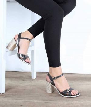 Platin Renk Bilek Bağlı Desenli Topuk Kadın Ayakkabı