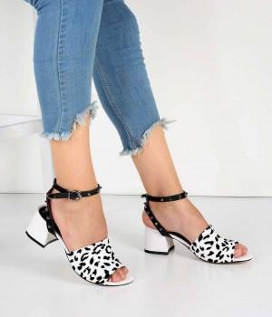 Siyah Beyaz Bilek Bağlı Zımba Detaylı Topuklu Kadın Ayakkabı