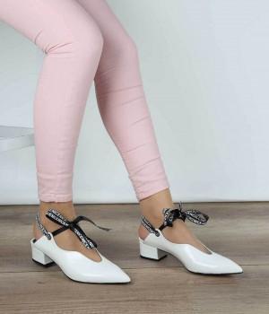 Beyaz Baskı Cilt Kurdele Bağcık Sivri Burun Kadın Ayakkabı