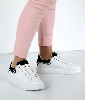 Beyaz Cilt Siyah Desen Bağcıklı Kadın Spor Ayakkabı