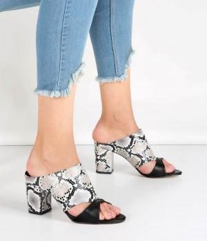 Beyaz Yılan Desen Kalın Topuk Kadın Ayakkabı