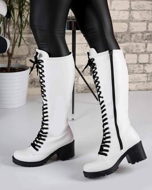 Violette Beyaz Cilt Fermuarlı Bağcık Detay Topuklu Kadın Çizme